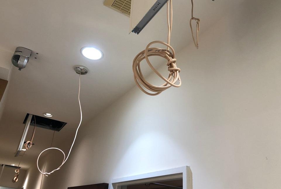 天井裏自火報配線