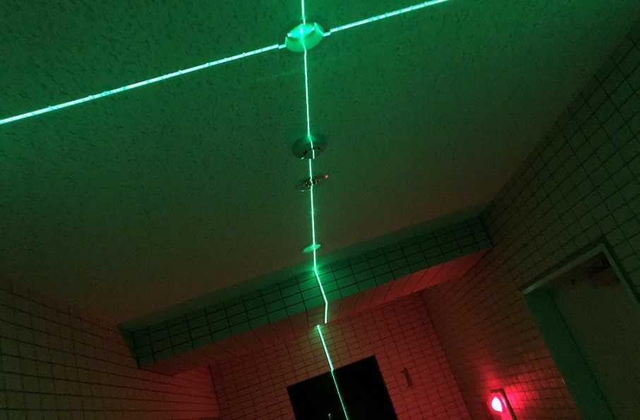 緑のレーザー