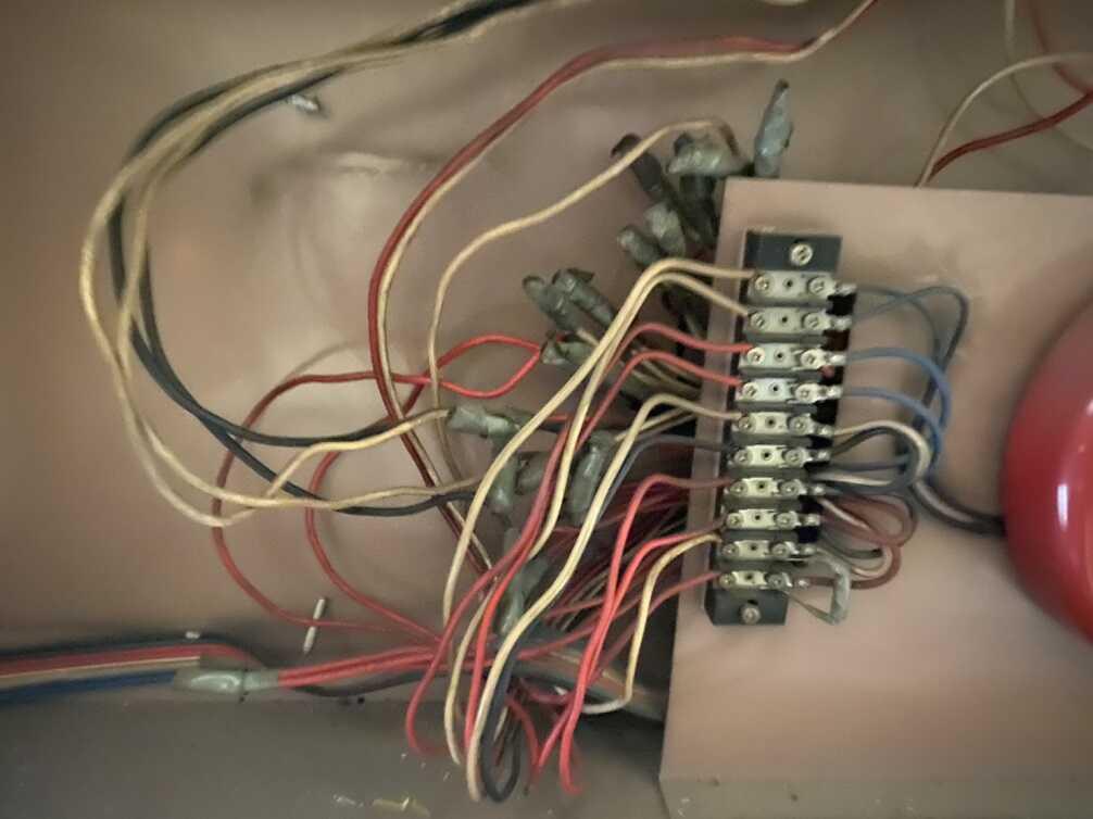 電気配線と同じ太さを使用していた