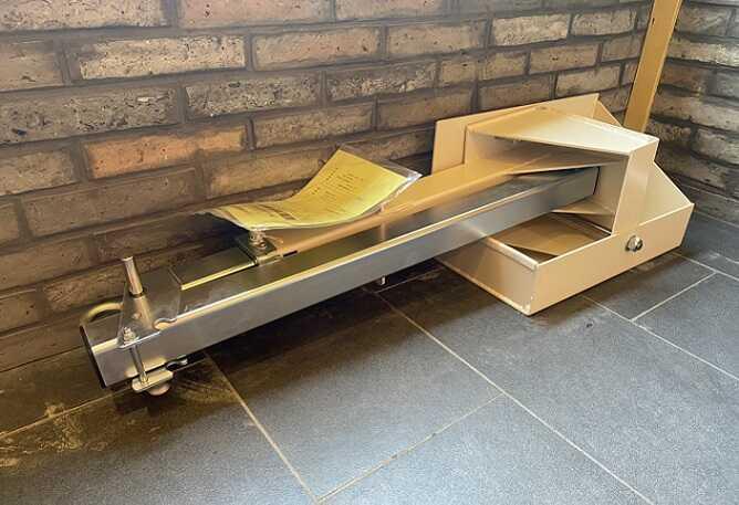 横倒し式の緩降機